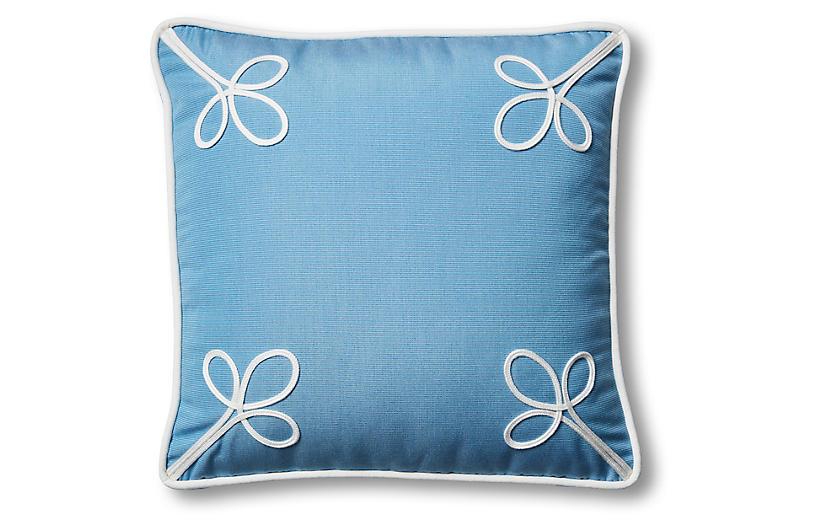Kit Outdoor Box Pillow, Blue/White