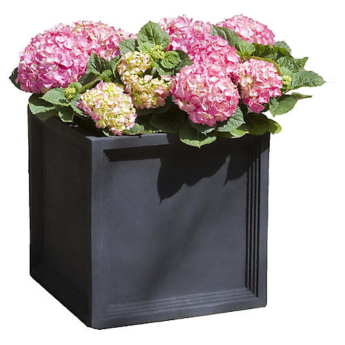 Sandhurst Outdoor Planter, Black Onyx