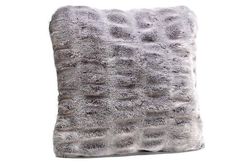 Sadie Pillow, Glacier Gray