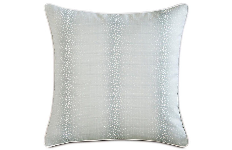 Evie Pillow, Light Blue/White