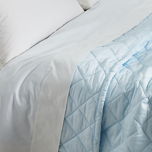 Elido Quilt, Light Blue