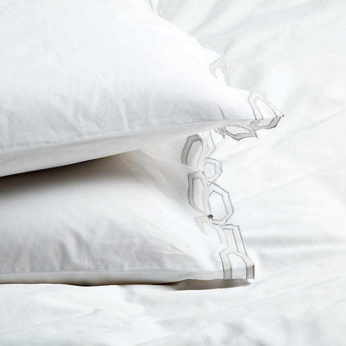 S/2 Maillon Standard Pillowcases, Silver