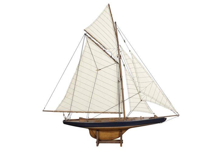 "37"" America's Cup Columbia Sailboat 1901"