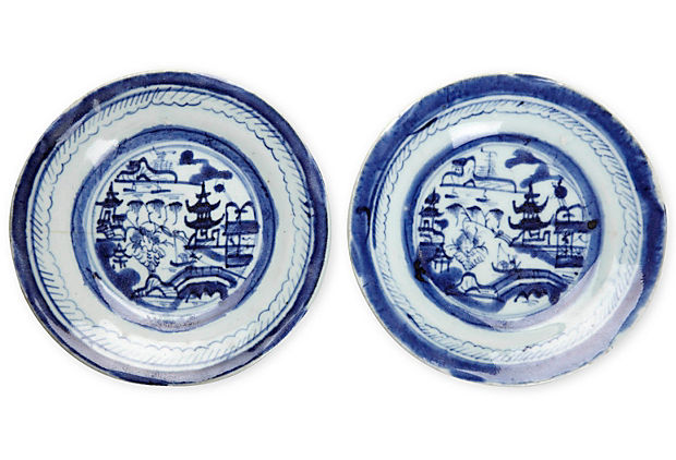 Chinese Porcelain Saucers, Pair