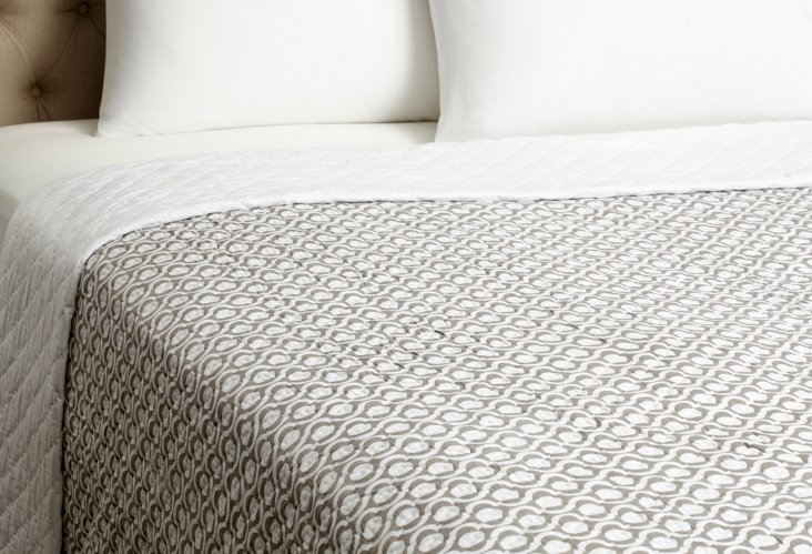 Circle Jaali Quilt, Taupe