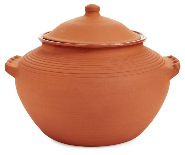Traditional Clay Lidded Baking Casserole