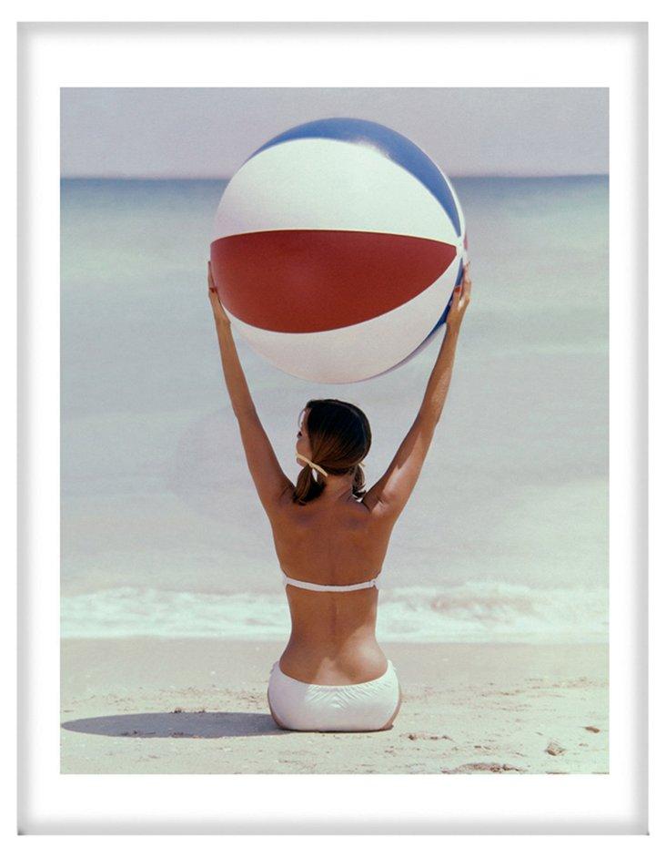 "20"" x 26"" Glamour Model on the Beach"