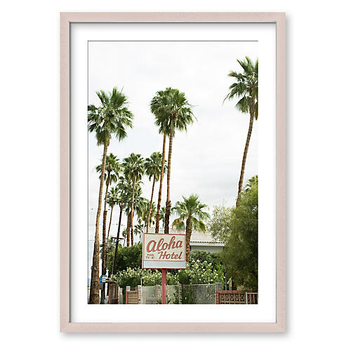 Aloha Hotel, Christine Flynn