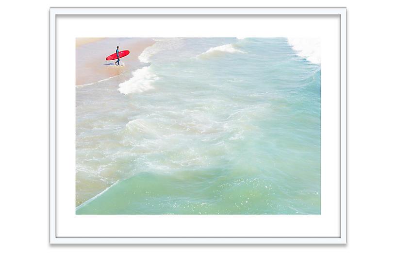 Natalie Obradovich, Lone Surfer