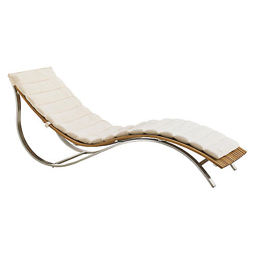 Tres Chic Chaise