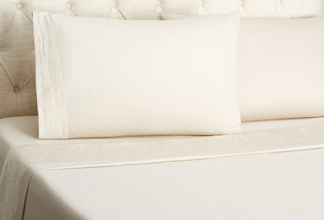 Queen Turnadot Bed Set, Champagne