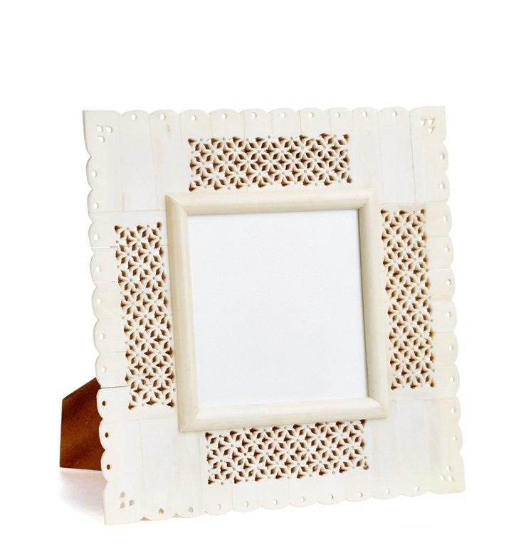 4x4 Carved Bone Frame, White