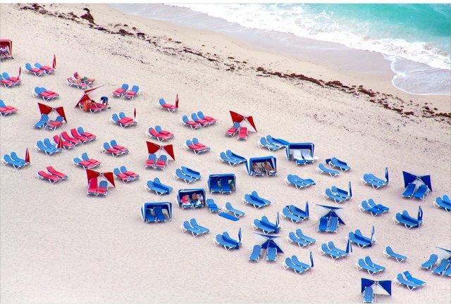 Gray Malin, Red & Blue Chairs, So. Beach