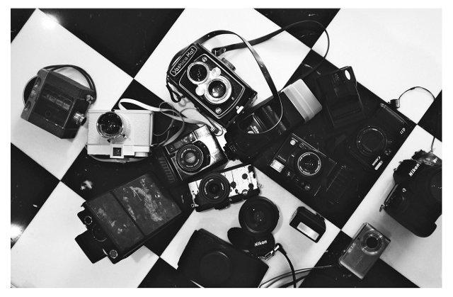Nicole Cohen, Cameras
