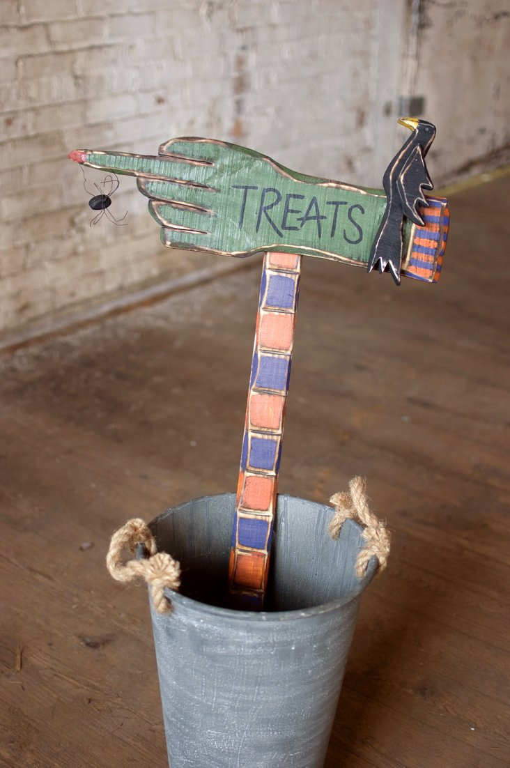 Painted Wooden Halloween Treats Sign
