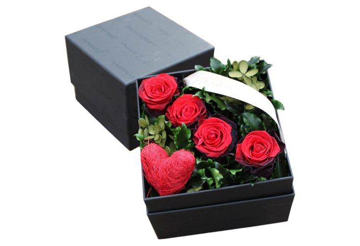 Valentine Rose Box, Red