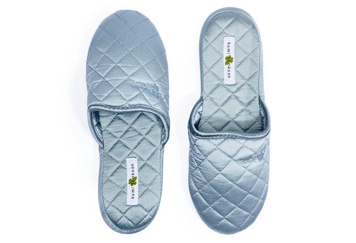 Silk Slippers, Raindrop