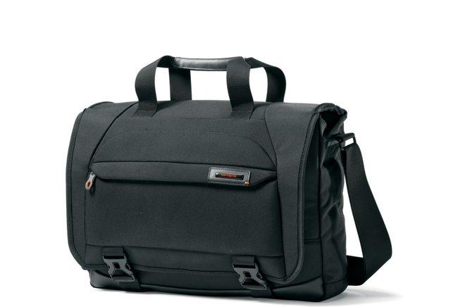 """17"""" Pro Messenger Bag, Black"""