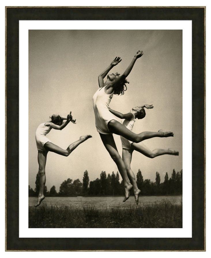 Black and White Dancers