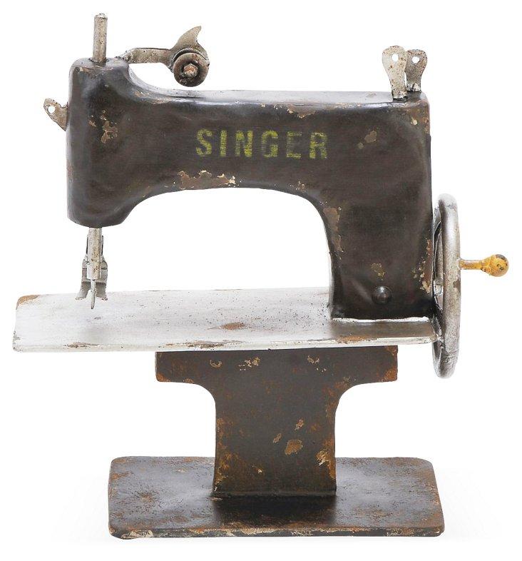 12x11 Sewing Machine Objet