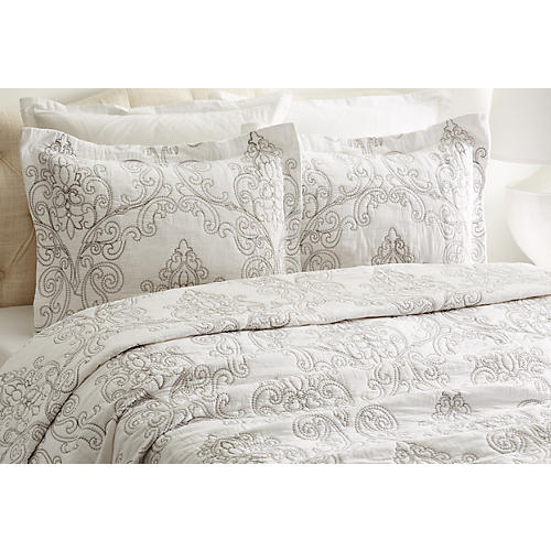 Victoria Quilt Set, White