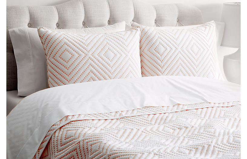 Diamond-Stitch Stitch Quilt Set, White/Rose