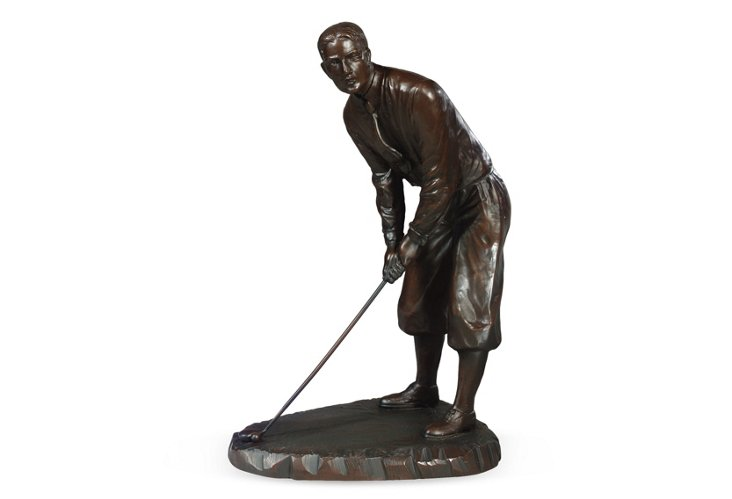 1930s Putting Golfer
