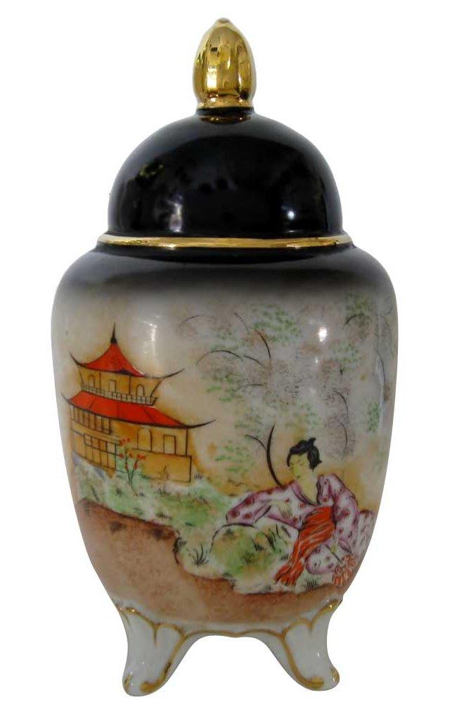 Geisha Porcelain Boudoir Lamp