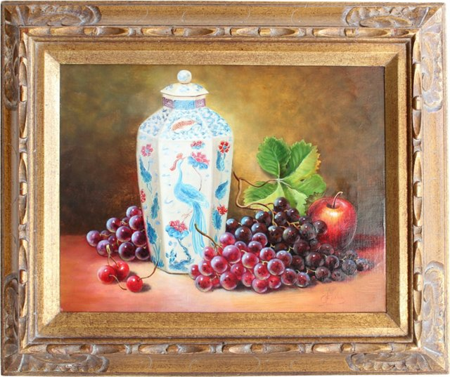 Chinoiserie Vase w/ Fruit