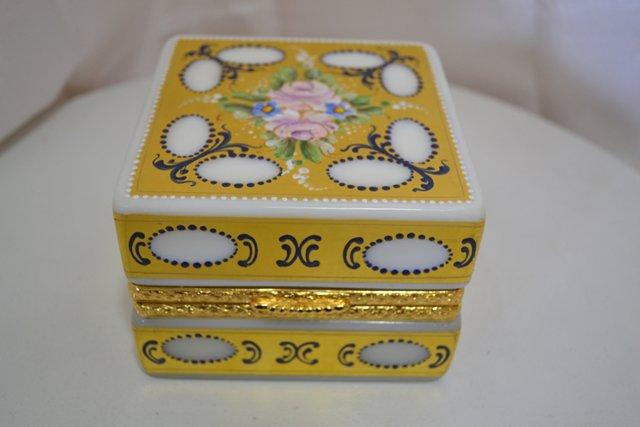 Murano Opaline Box