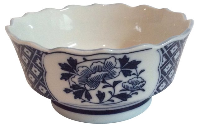 Blue & White Scalloped-Edge Bowl