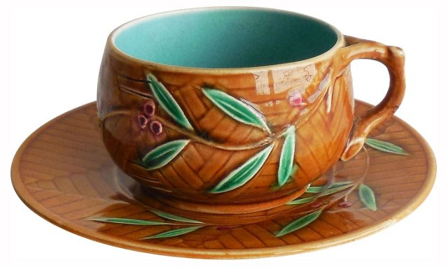 Majolica Leaves Cup & Saucer