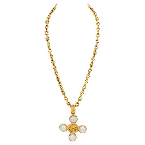 Chanel Faux-Pearl Pendant Necklace