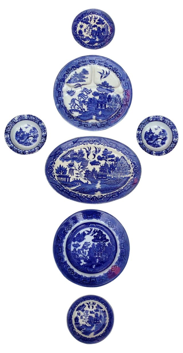 Blue Willow Plate Collage, 7 Pcs