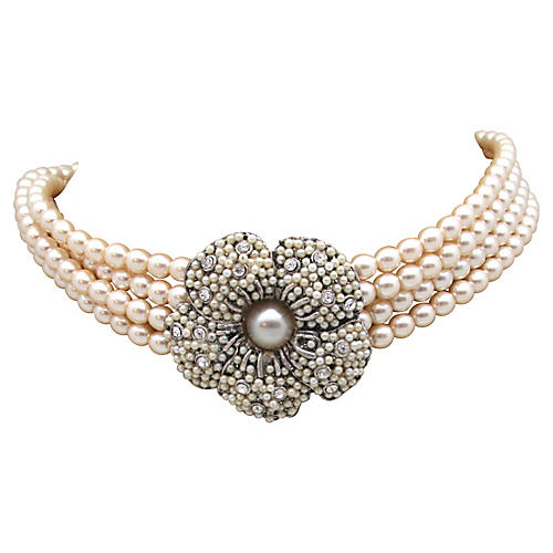 Faux-Pearl Choker w/ Ornate Flower