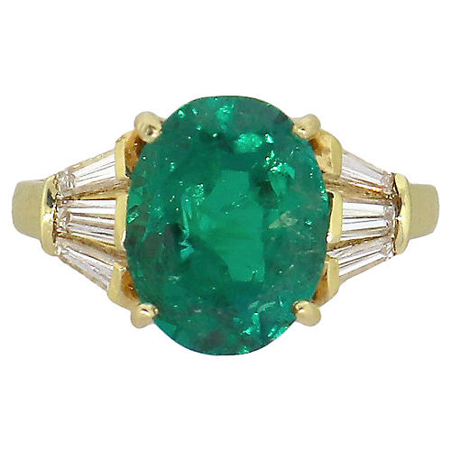 AGL Oval Emerald Ring With Diamonds